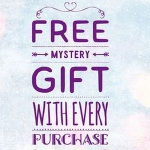 😀FREE MYSTERY GIFT W/EVERY PURCHASE IN AUGUS 🤗